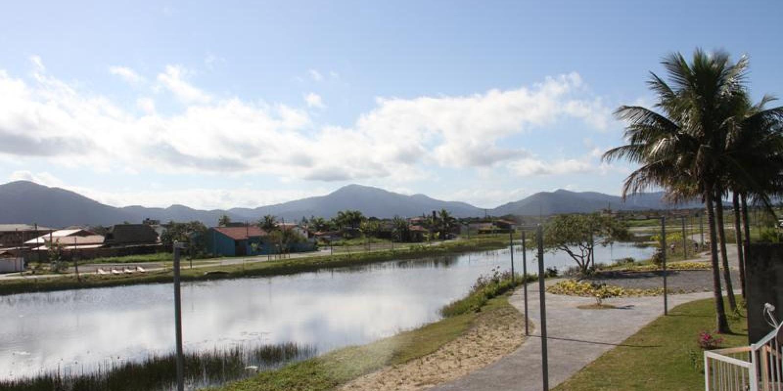 Praça Lagoa do Adriana com 5.700 metros da pista de caminhada